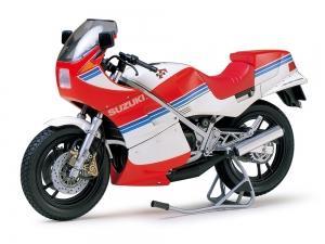 Suzuki RG250 Γ with Full Options